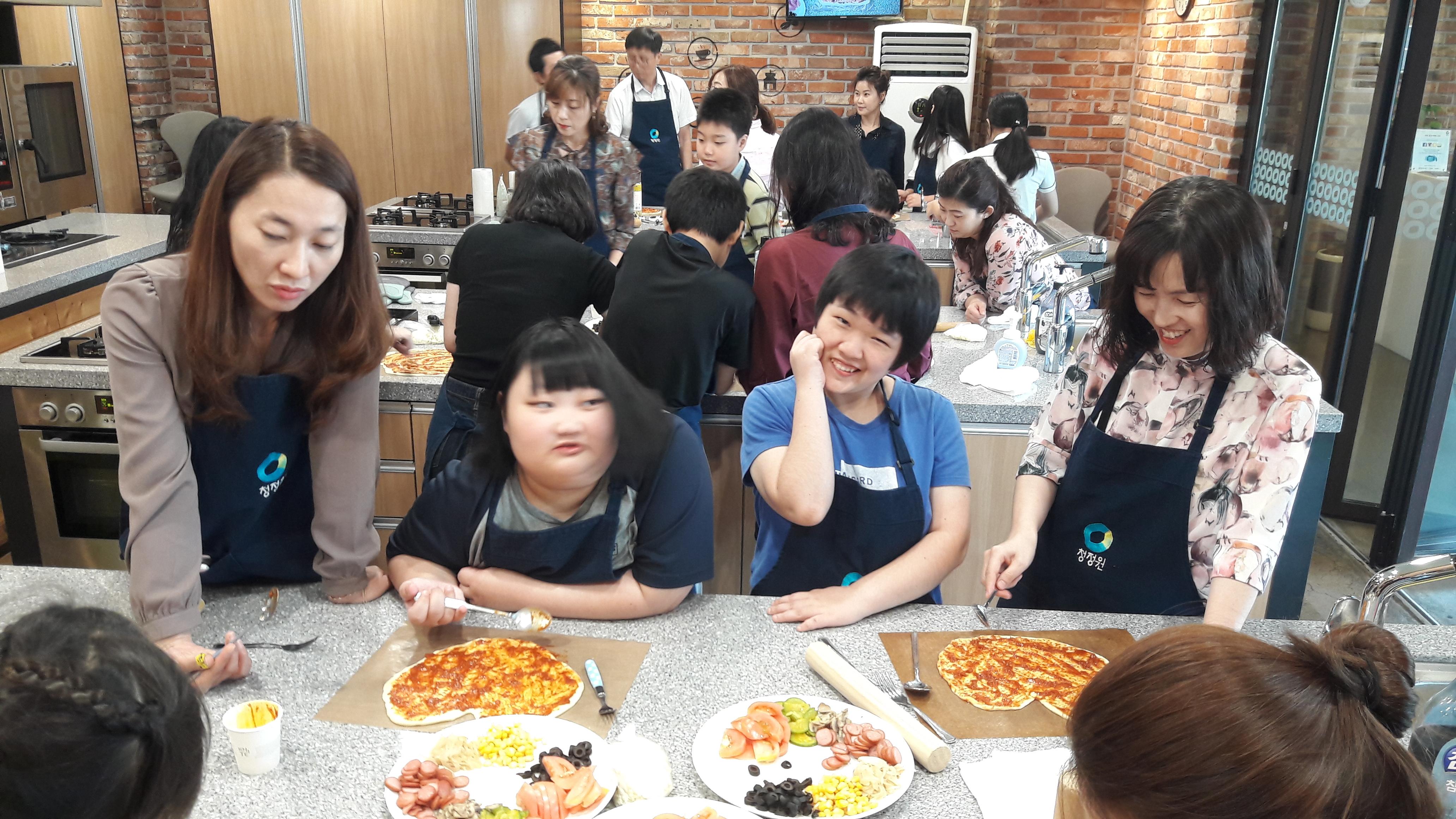 청정원 요리공방에서 피자와 고구마맛탕 만들기